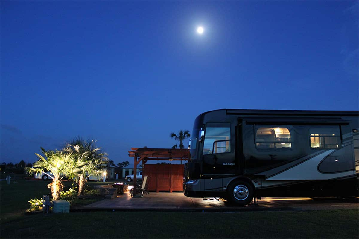 bella-terra-rv-lot-moon-light
